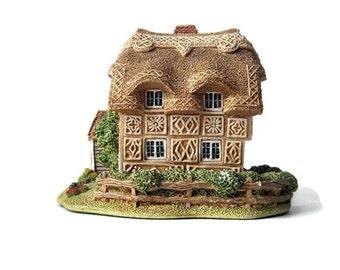 Lilliput Lane Finchingfields Miniature Cotswold Cottage/ English  Collection 1992/ Collectible Miniature Ceramic House