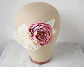 Silk Flower Hair Comb, Floral Headpiece, Rose Hair Comb, Wedding Hair Flowers, Lace Hair Piece, Bridal Hair Comb, Summer Wedding