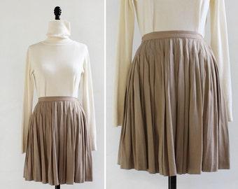 Khaki Skirt XS/S • Pleated Mini Skirt • 80s Skirt • Vintage Skirt • Swingy Skirt • Pleated Skirt • Mini Skirt • Khaki Skirt | SK659