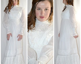 Vintage 1970s White Voile and Heavy Lace Victorian Maxi Dress Wedding Dress Gunne Sax Style 36 Inch Bust