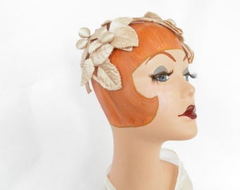 1950s vintage halfhat, beige  with leaves
