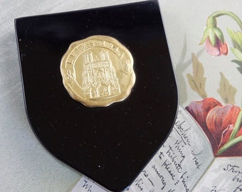 Black Bakelite Compact w/ REIMS France Cathedral 1945 Medallion