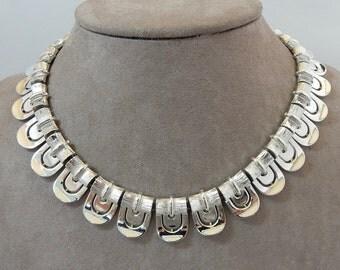 Vintage LISNER Signed Silver Link Modernist Choker Necklace    OV39