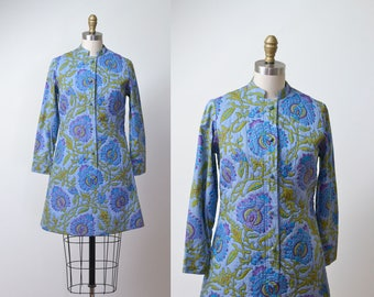 1970s Quilted Shirtdress / 70s Thai Design Cotton Floral Print Mini Dress