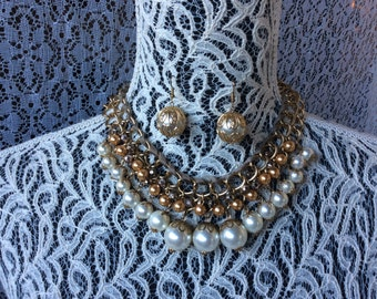 Set Necklace earrings faux Pearls gold Tone