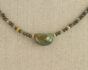 Labradorite Necklace Aura Gold 22 K Faceted Delicate Pyrite