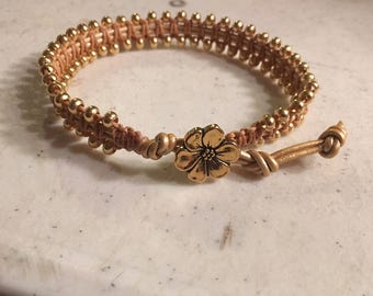 Gold Bracelet - Macrame Jewelry - Leather - Fashion - Trendy - Seed Beads - Flower Button