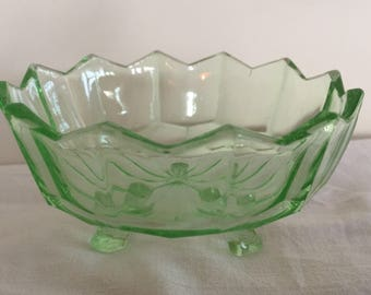 A pretty, vintage vaseline/ uranium glass dish.