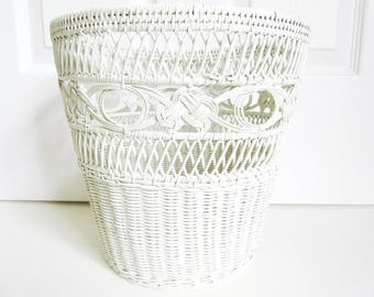 "White Wicker Waste Basket, 11"" x 10 1/2"" Vintage"