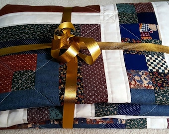 Quilted Throw or Lap Quilt, Log Cabin Pattern in Country Primitive colors or use as a Ladder Hanging, Cabin Living