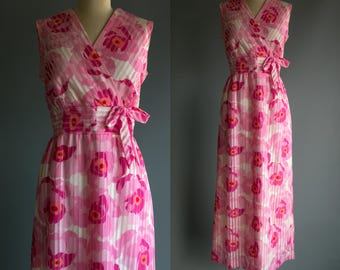 Vintage 70's Pink Flower Maxi Dress with Bow At Waist Women's Medium Large Retro/Hippie/Boho