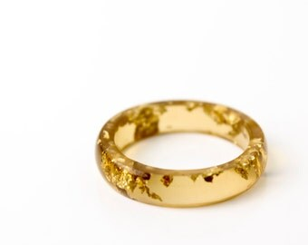size 7.5 | thin smooth stacking eco resin ring | translucent brown resin with gold metallic flakes | gold flakes