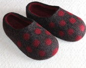 Hand Felted Wool Slippers  in Dark Gray with Burgundy inside and Burgundy Polka Dots. Size EU 37, EU 40 ready to ship.