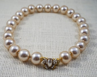 William de Lillo Large Faux Pearl Choker Necklace with Butterfly Clasp