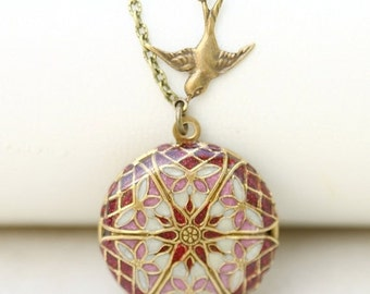 ON SALE Locket,Brass Locket,Red Pink locket,filigree locket necklace,photo locket -  Wedding Locket