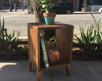 Cube Wood Plant Stand/End Table