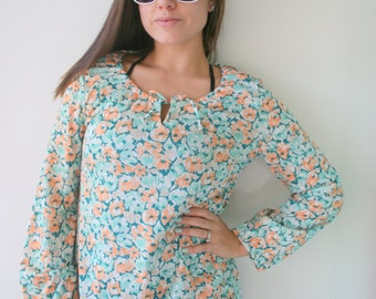Vintage GROOVY Top...size medium large womens...retro. funky. twiggy. disco. geometrical. shirt. top. blouse. 1970s clothing. orange. floral