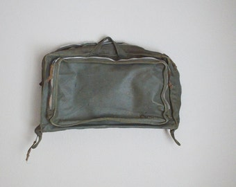 vintage 1960s MILITARY FLYER'S clothing bag vietnam era sage olive green - As is