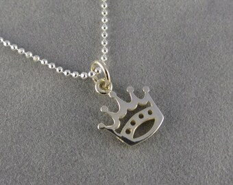 Silver Crown Charm Necklace - Gift Idea Daughter, Wife, Best Friend, Flower Girl