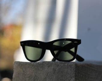 Vintage USA made 1980s era Ray-Ban Wayfarer 5024 Sunglasses - Unisex and lovely