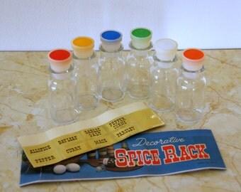 Vintage Spice Set, NOS Spice Bottles, Spice Jar Labels, Plastic Stoppers