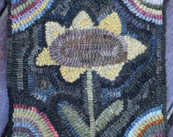 Primitive Folk Art Hit and Miss Sunflower Hooked Rug Early Style