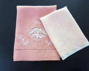 2 Linen Tea Towels Dark Light Peach Needle Lace Motif Mechlin Bobbin Lace 17 by 20 and 11 by 16 Inches 675b
