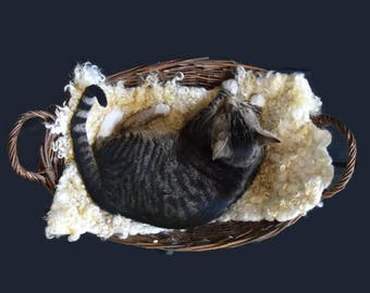 Cruelty Free, Purebred Cotswold, Wool Cat Bed, Felted Fleece Rug, Dog Bed, Natural Pet Bed, Supporting US Small Farms, Ready to Ship