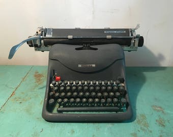 Vintage Hispano Olivetti model Lexicon 80 typewriter, extra wide, 40s-50s working  typewriter
