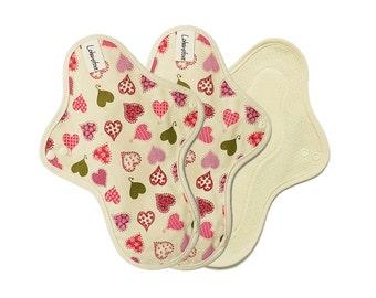"10"" Cotton Cloth sanitary pads / Cloth menstrual Pads / cloth pads set / cloth pads starter / Medium pads - 3 Regular pads (Pink heart)"