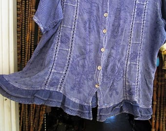 Embroidered Bohemian Purple/Blue Shaded Short Sleeve Viscose Shirt with Coconut Shell Buttons, Vintage - Medium to Large