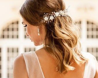 Beach wedding hair comb. Ivory hair vine. Boho weddings. Pearls hair vine. Boho hair comb. Weddings wreath. Beach wedding. Bride hair comb.
