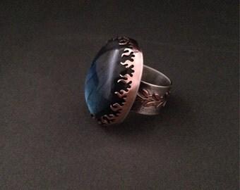 Big labradorite and sterling silver ring