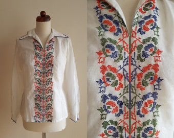 Vintage Peasant Blouse - 1970's  Embroidered Blouse  - Size S-M