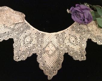 Vintage Light Ecru Maltese Silk Bobbin Lace Collar, Vintage Lace, Antique Lace Collar, Vintage Accessories