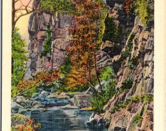 Shenandoah, Virginia,  Rock Formations - Linen Postcard - Postcard - Unused (R)