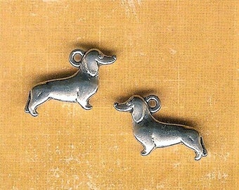 Dachshund Dog Charm, 4 Pieces, Antique Silver Dog Charm, Weiner Dog Charm, Sausage Dog Charm, Weenie Dog Charm,German, Dachshund, Puppy