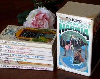 CS Lewis Narnia Paperback Set 1970s, Chronicles of Narnia Six Books 70's Set
