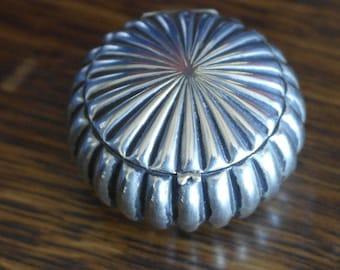 antique albo silver ncp co small pill snuff box tin silver plate