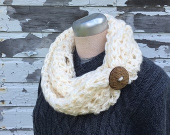 Ivory Chunky Infinity Scarf with Coconut Wood Button