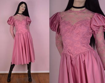 70s Dusty Pink Floral Lace Dress/ US 9-10/ 1970s/ Long Sleeve