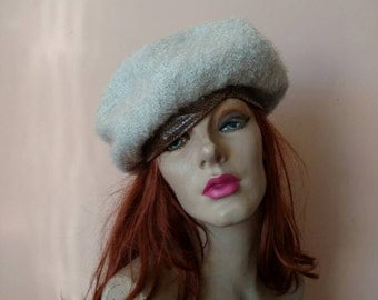 1950s -1960s Boucle Wool Beret Hat Snakeskin Band Saks Fifth Avenue