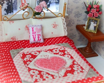 """Dollhouse Miniature Quilt  with 2 Matching Bed Pillows & Decorator Pillow, """"Sweet Valentine"""" - 1:12 Scale"""