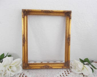 Vintage Ornate Gold Picture Frame 8 x 10 Photo Decoration Paris Hollywood Regency Mid Century Home Decor Fall Wedding Decoration Gift Her