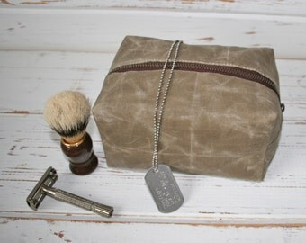 Mini waxed canvas dopp kit / shave bag / cosmetic bag / zipper pouch / toiletry bag / gift for him / canvas bag / shave kit