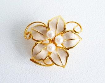Vintage Jewelry Large Gold Flower Pin Brooch Gold Orange Citrine Brooch Ornate Gold Flower Pin Faceted Orange Rhinestone Brooch