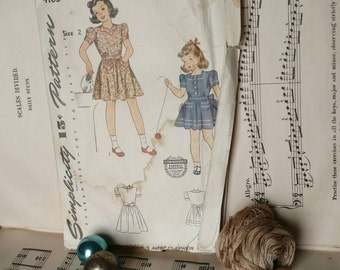 Retro Little Girls Dress Pattern Size 2 - Vintage Sewing Pattern by Simplicity, Summer Day Dress, Toddler Clothing, Preppy Sewing Tutorial