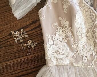 Exquisite Cotton Lace Applique, Cream Embroidery Wedding Applique , Bridal Veil Applique for Wedding Gown, Bridal Dress Decor, Bodice