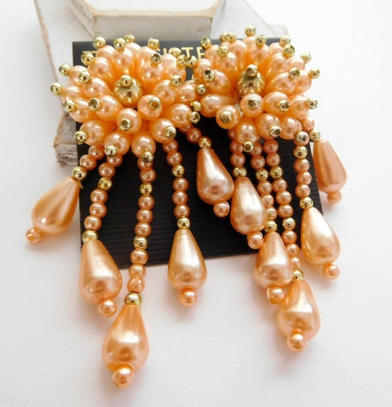 Vintage Two Sisters Peach Faux Pearl Gold Bead Cluster Fringe Clip Earrings O30
