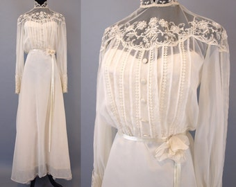 Vintage 70s ivory white lace embroidered beaded pearl boho hippie wedding dress gown with train and bustle size XS or S